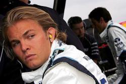 Формула-1.  Нико Росберг стал первым в квалификации `Гран-при России`