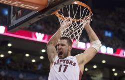 Баскетбол.  Литовец Йонас Валанчюнас помог `Торонто` одолеть `Миннесоту`