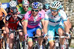 Велоспорт. Винченцо Нибали порадовал итальянских тиффози, выиграв престижную гонку `Джиро`