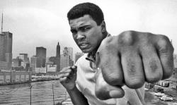 После тяжелой продолжительной болезни скончался величайший боксер всех времен Мохаммед Али