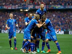 Футбол. ЧЕ-2016. Испанцы и англичане выбыли из борьбы, Италия и Исландия - в 1/4 финала