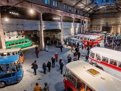 На выставке в Таллине четыре дня можно бесплатно увидеть 14 уникальных ретро-автобусов