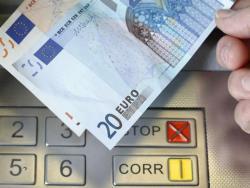 Жители Эстонии, заработавшие за 2016 год менее 7817 евро, получат возврат по налогам
