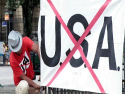 Европейцы считают, что США не справились с ролью мирового лидера после распада СССР