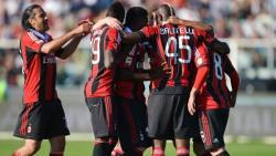 Футбол. Чемпионат Италии. `Милан` проиграл `Роме` и опустился на третье место
