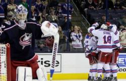 НХЛ-2016/17. `Столичные` разгромили `Мундиров`, не дав им повторить рекорд Лиги