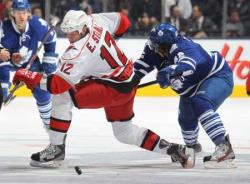 НХЛ-2016/17. `Дикари Миннесоты` в пятый раз подряд пробились в плей-офф Кубка Стэнли