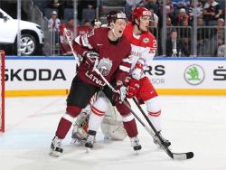 Хоккей. ЧМ-2017. Латвия громит Данию, Италия и Словения неожиданно набрали по очку