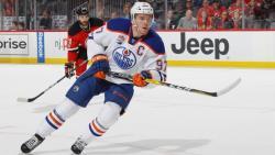 НХЛ-2017/18. МакДэвид начал отрабатывать супер-контракт, сделав хет-трик в первом матче
