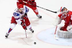 Хоккей. ЧМ-2012. Россияне сравнялись со шведами - впереди очный поединок
