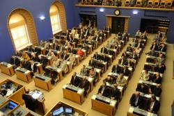 В парламенте рассмотрят законопроект об изменении схемы компенсаций семьям с детьми