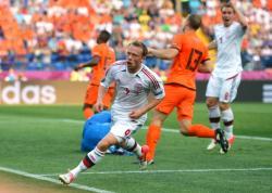 Футбол. Евро-2012. Датчане в стартовом матче `группы смерти` одолели голландцев