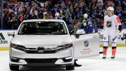 НХЛ-2018/19. Хет-трик Бозера, пять баллов Петтерссона, седьмое поражение `Чикаго` подряд