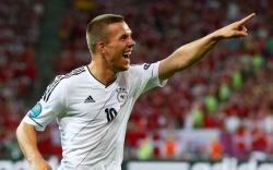 Футбол. Евро-2012.  Сборная Германии выиграла третий матч подряд