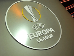 Футбол. Лига Европы. В 1/8 финала с российскими клубами сыграют `Валенсия` и `Вильяреал`