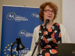Яна Тоом: Наличие `неграждан` влияет на выборы и тормозит развитие экономики Эстонии