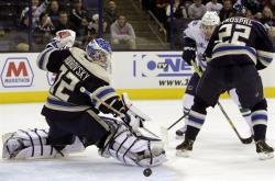 НХЛ-2018/19. Бобровский сделал 6-й шатаут в сезоне, 32 сейва Варламова не спасли `Лавин`