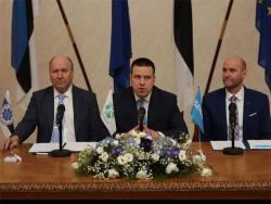 Коалиционный договор подписан: Центристы, националисты и консерваторы разделили посты