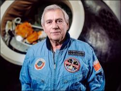 Медиа-клуб `Импрессум` приглашает на встречу с космонавтом Александром Александровым