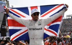 Формула-1. Англичанин Льюис Хэмилтон в шестой раз в карьере выиграл домашний `Гран-при`