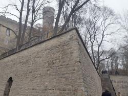 В центре Таллина после реставрации открылась пешеходная тропа у башни Длинный Герман