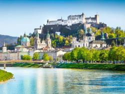 Австрия планирует уже в июне принимать туристов из `благополучных по коронавирусу` стран
