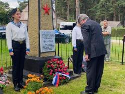 Сотрудники посольства России почтили память погибших при Таллинском переходе 1941 года