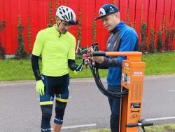 Фонд «Эстонские тропы здоровья» порадовал велосипедистов страны ремонтными пунктами