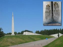Ради безопасности: Вокруг некоторых элементов мемориала на Марьямяги появятся ограждения