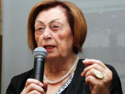 Алине Клочковой - 85: В Русском культурном центре прошёл юбилейный творческий вечер