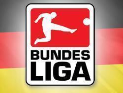 Футбол. Чемпионат Германии. `Бавария` переиграла `Вольфсбург`, а `Байер` разгромил `Кёльн`