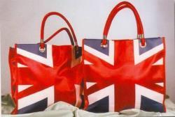 Анализ: Шопинговый туризм в Британию становится всё более популярным