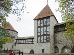 В День Таллина после долгого перерыва открылись кафе и музей в Девичьей башне