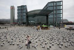 «Гринпис Германии» отправляет 1600 панд в турне по стране