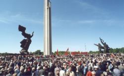 Мэр латвийской столицы обещает не допустить сноса памятника воинам-освободителям Риги