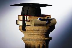 Более половины докторантов Эстонии не получают учёную степень из-за необходимости работать