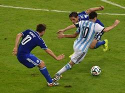 Футбол. ЧМ-2014. Автогол соперника и точный удар Месси помогли Аргентине одолеть Боснию