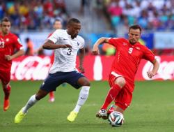Футбол. ЧМ-2014. Французы, разгромив Швейцарию, первыми пробились в плей-офф от группы Е