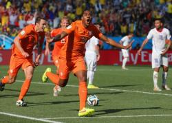 Футбол. ЧМ-2014. Голландия переиграла в очном поединке Чили и выиграла группу В