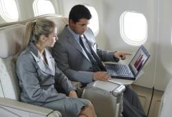 Власти Евросоюза разрешили авиапассажирам пользоваться Интернетом