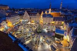 На Ратушной площади столицы Эстонии открылась рождественская ярмарка