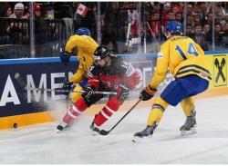 Хоккей. ЧМ-2015. Сборные Канады и Швеции представили пражским зрителям хоккейный спектакль