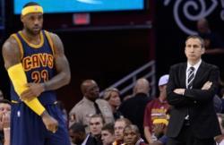 НБА. `Кливленд` повел в финальной серии с `Голден Стэйт`. Леброн Джеймс набрал 40 очков