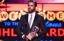 НХЛ-2014/2015. Лучшим новичком года признали защитника `Пантерз` Аарона Экблада